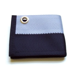 Chain wallet in black and silver.