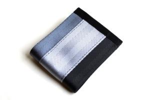 Triple stripe billfold wallet