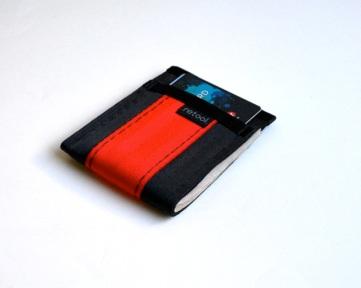black-red-mini-wallet-loaded